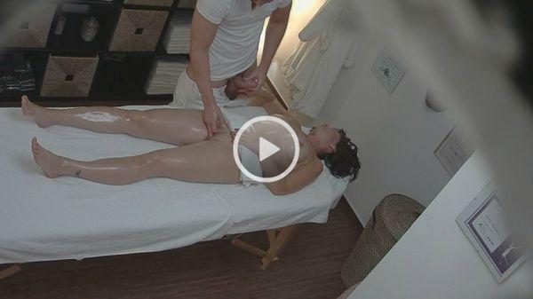massazh-intimnih-mest-zhenskie-video