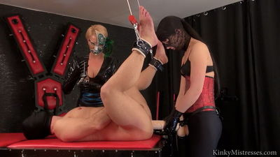 Kinky Mistresses - Lady juliette fucked in ass and cock