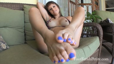 Foot Fetish Petite - Patio JOI POV Alyssa Kayson