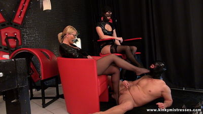 Kinky Mistresses - Lady juliette worship and cumshot