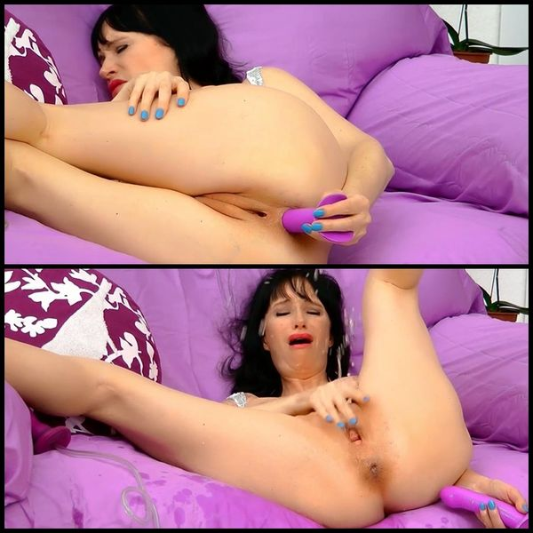 (26.10.2015) Squirting Anal: Fingers & Dildo