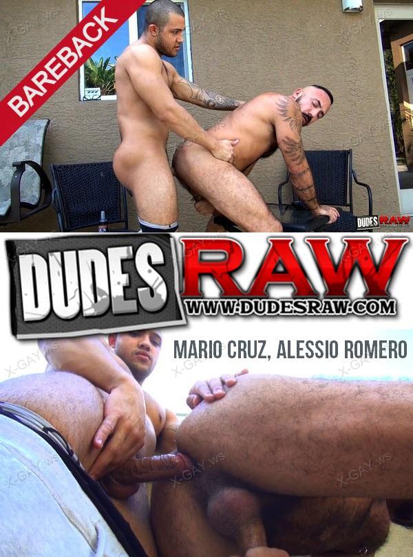 DudesRaw: Mario Cruz Barebacks Daddy Alessio Romero