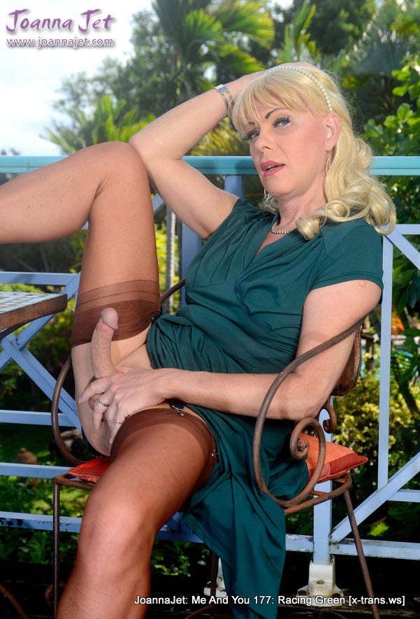 JoannaJet: Me And You 177: Racing Green