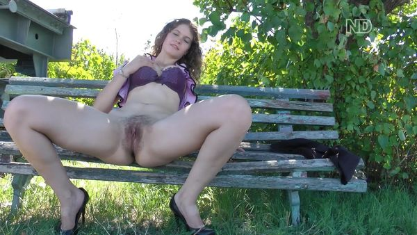 Public Hairy nudity Teen on the Street!