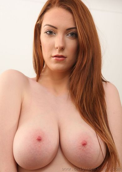 Alice Brookes – Big Boobs Teen Topless on Couch – OS – 09/02/16 – FullHD 1080p