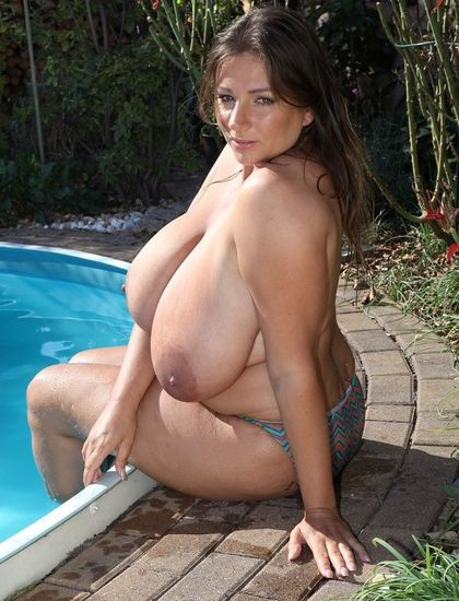 Nadine Jansen - Last Pool Day - 09/30/16