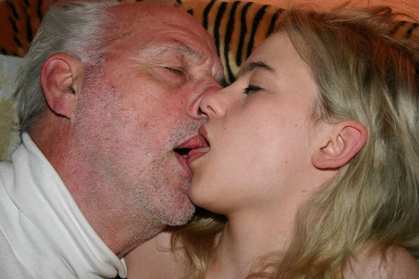 Older Couple Fuck Teen -