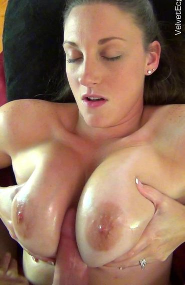 Melanie Hicks - Icy Nipples - 11/18/16 - FullHD 1080p