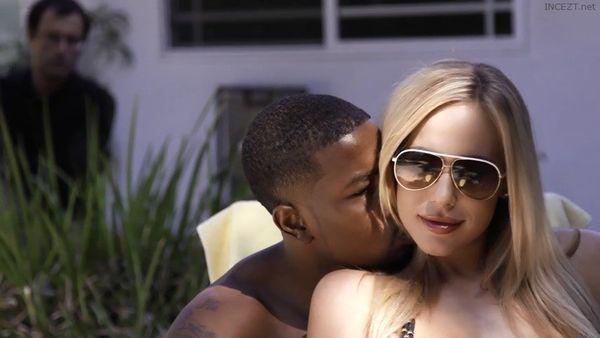 Hilton paris sex solomon video