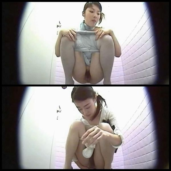 Girls wearing nylons peeing and shitting on toilet spycam Uncensored