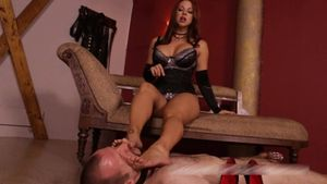 Slave Begs for Bare Feet Goddess Brianna