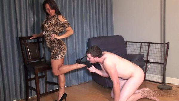 Bella - Brat Humiliates her Cuckold Outfit Tester