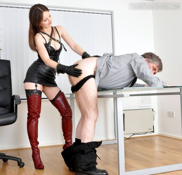 FemmeFataleFilms - Mistress Arella - Who's the Boss? complete