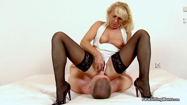 FaceSittingMoms - Koko - Mature Face Sitting on her Slave