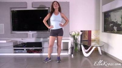 Ella Kross - Worship My Muscles, Loser!