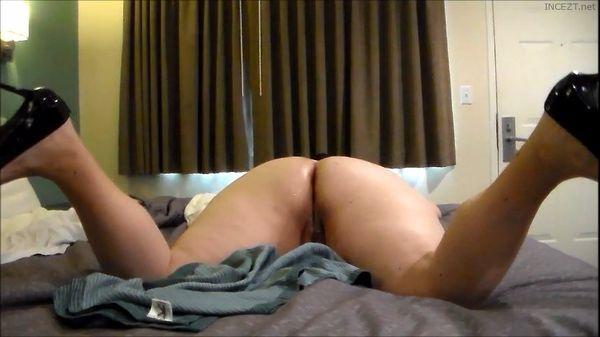 Male masturbation in showers