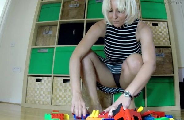 Mummy builds bricks for son HD