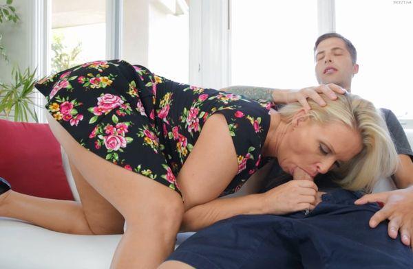 Maya Divine Rewarding The Daughters Boyfriend
