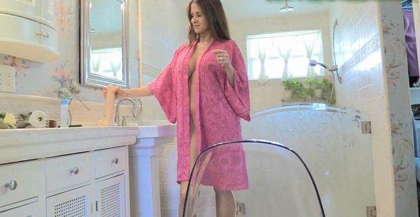 Hot Wife Rio – Moms Ass On The Glass HD