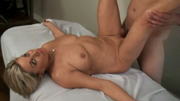 Payton Hall – Son In Law Gives Mother In law Massage HD 1080p