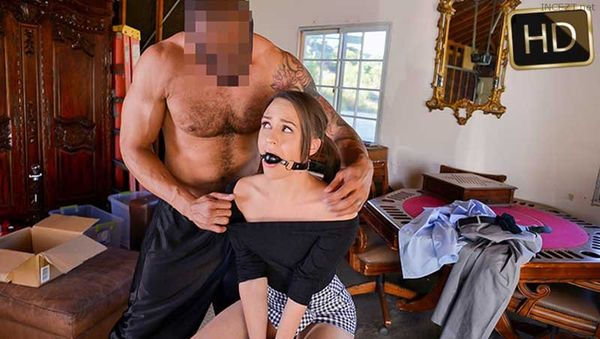 Alex Moore – The Mysterious Package HD