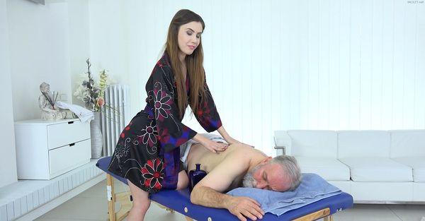 Massage For Daddy – Elle Rose 1080p