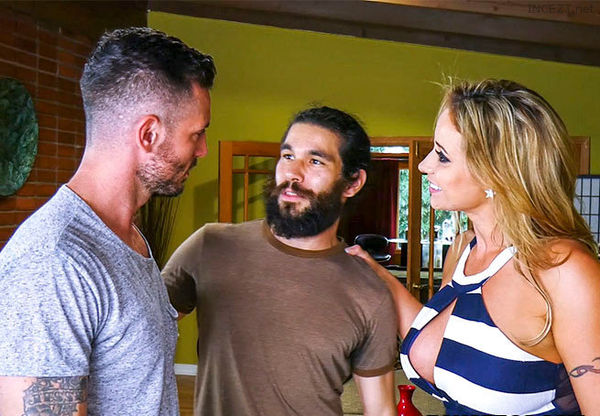 Perfect House Guest – Eva Notty HD