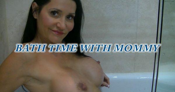 Butt3rflyforU – Bath Time With Mommy HD