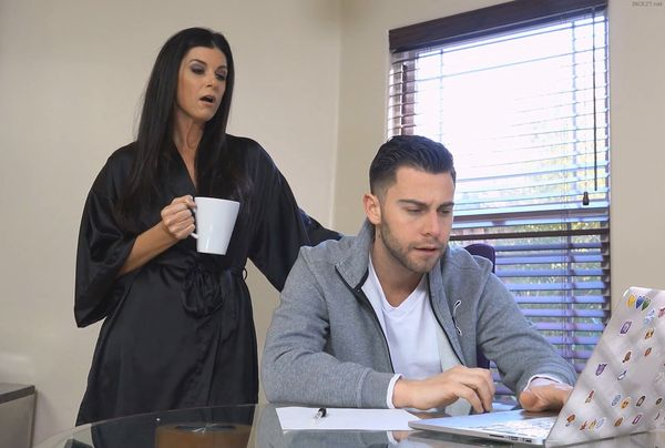 MOM GIVES AN EDUCATION – India Summer HD