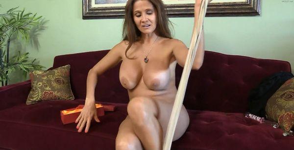 HotWifeRio – Lingerie Mom #10 HD