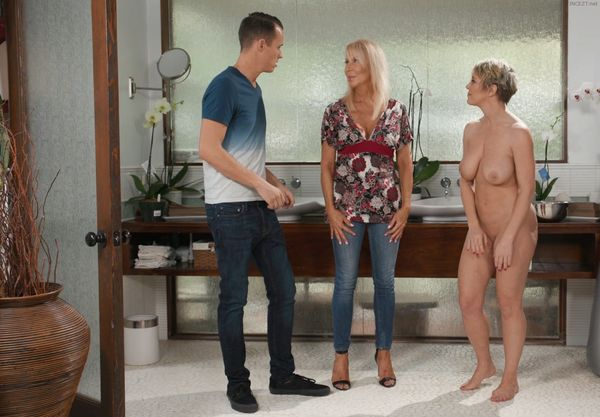 My Stepmom and Friend – Erica Lauren and Dee Williams HD