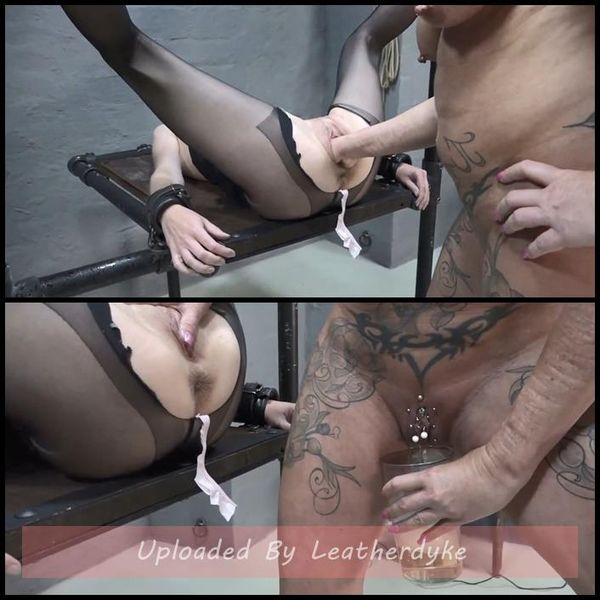 Fisting a pissing s AmateureXtreme