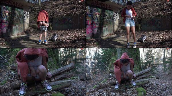 In Den Wald Gepisst [MyDirtyHobby] Camilla Moon (24.5 MB)