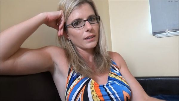 Single Mom's New Dating Strategy – Cory Chase HD MP4