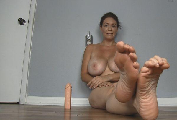 Worship Big Mature Feet