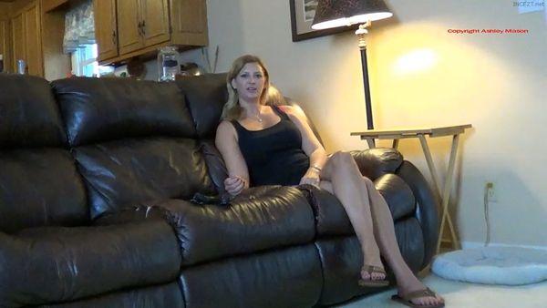 Mommies New Rain Coat – Ashley Mason HD