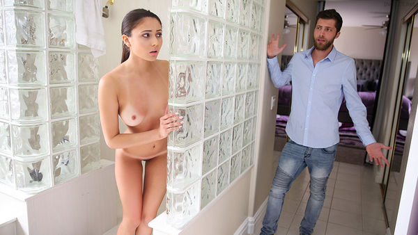 Ariana Marie – Stepbro Blackmails Stepsis Over Provocative Outfit HD [Untouched 1080p]