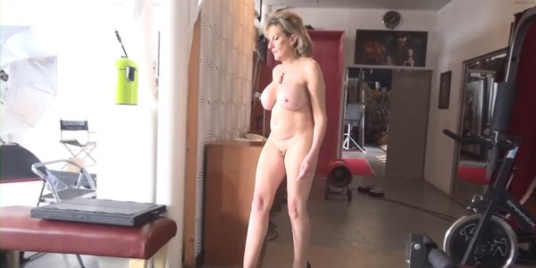 Lady sonia walking nude