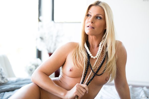 India Summer – No Boys Allowed HD [Untouched 1080p]