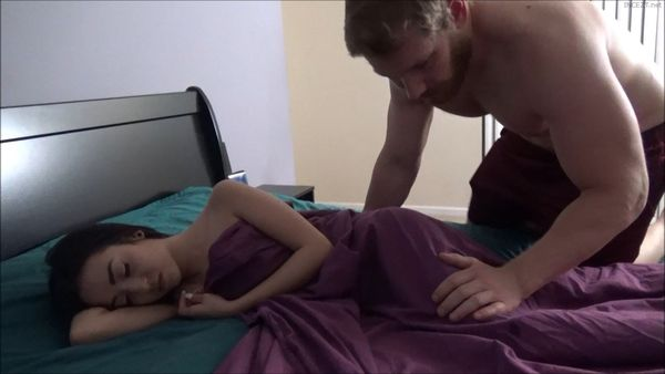 Big Brother Cums Inside Tiny Sister – Kiley Jay HD