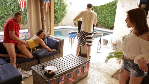 Rosalyn Sphinx & Whitney Wright – Fourth Of July Family Fuck HD [Untouched 1080p]