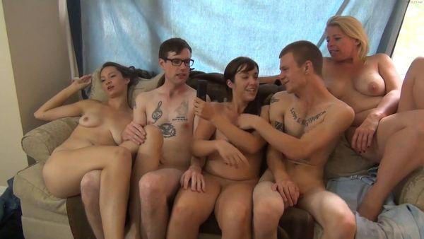 Lesbians Rub Each Other Pussys