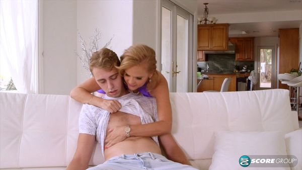 Micky Lynn Fucks Her Daughter's Boyfriend HD [Untouched 1080p]