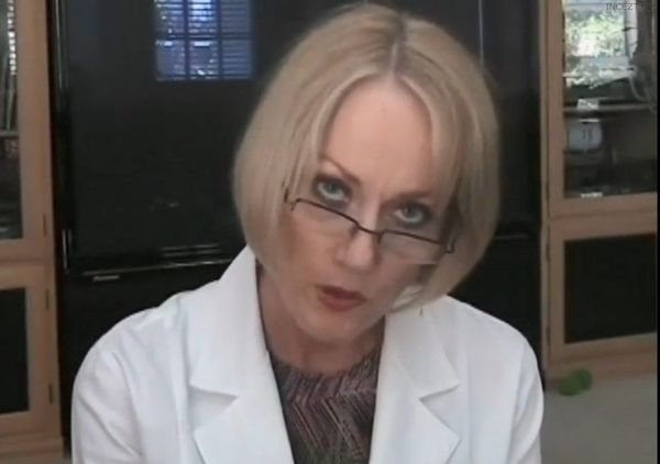 Amateur Mom-Son Doctor Roleplay HD