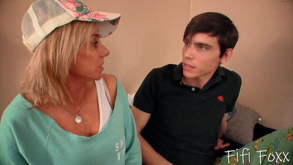 Payton Hall – Son Gives Mom a Creampie to Impregate Her HD