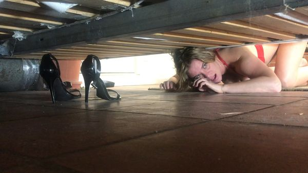 Erin Electra – Mom Stuck Under The Bed HD