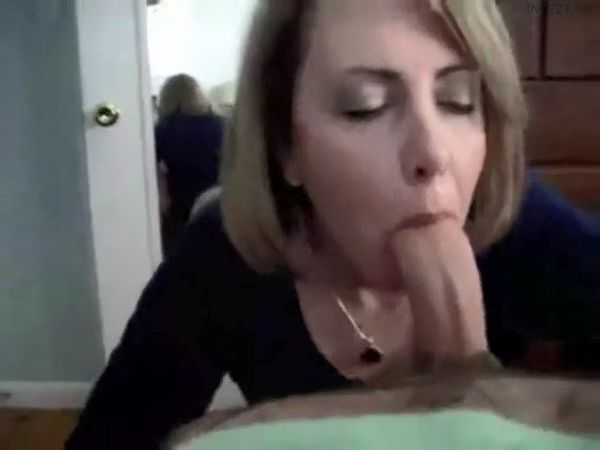 Step Mom Suck While Dad Is At Work