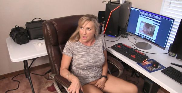 Mom Busted At Work HD