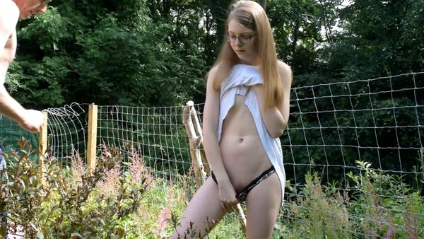 Amateur British Dad-Daughter Quicky Outdoor TABOO Fuck in HD