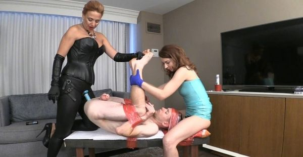 Danni Gets Pre Party Pegging From Mom And Sister [BratPrincess] Brianna (559 MB)